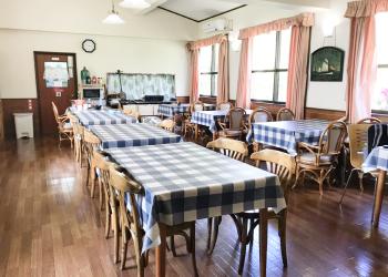 食堂の施設1
